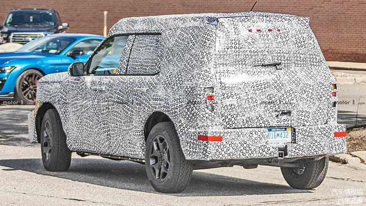 Baby Bronco with full body camouflage is not as good as it looks in the PDF for the time being