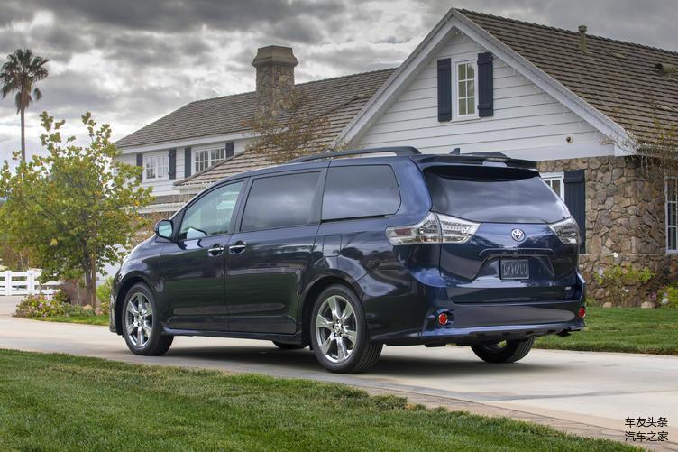 丰田塞纳是一款针对北美市场的七座MPV,多年来它以出色的空间表现和充沛的动力以及丰田的品质而闻名于世,特别在近几年,平行进口车政策出台后,它就成为我国进口量最大的MPV车型,在国内的销量一直很不错,口碑也是越来越好。无论是身家过亿的大BOSS们还是普通大众百姓们,都是塞纳的车主群体。下面就为大家详细介绍这台最好的MPV车型,我们将从车型版本和配置分析以及怎么买到它这几个方面来介绍。  塞纳的历史部分: 塞纳到目前为止已经走过了21个年头,衍生出了三代车型,第一代车型在1997年登陆北美,当时它分为三个版本