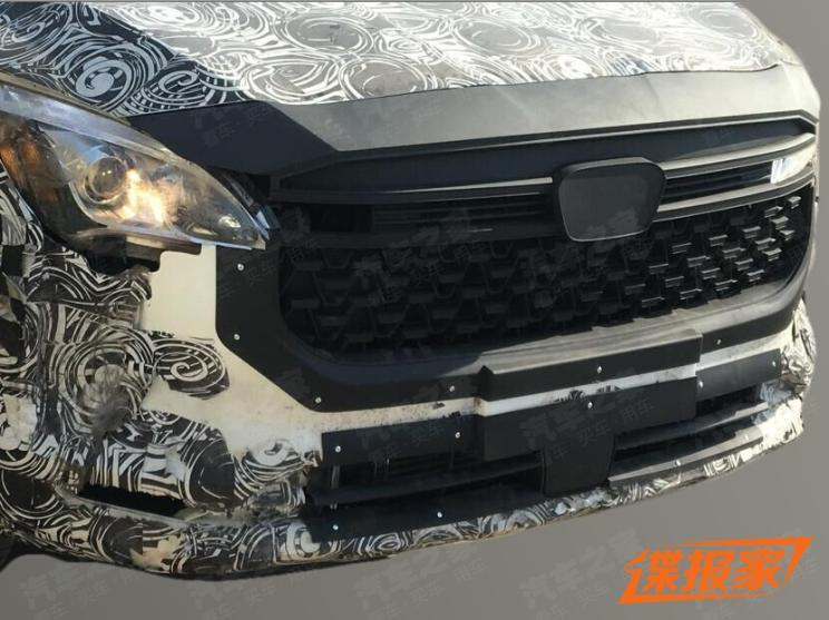 华颂首款SUV谍照曝光 电子挡把是亮点